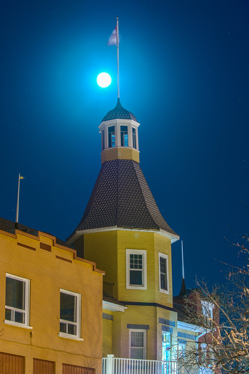 Supermoon at the Finlandia
