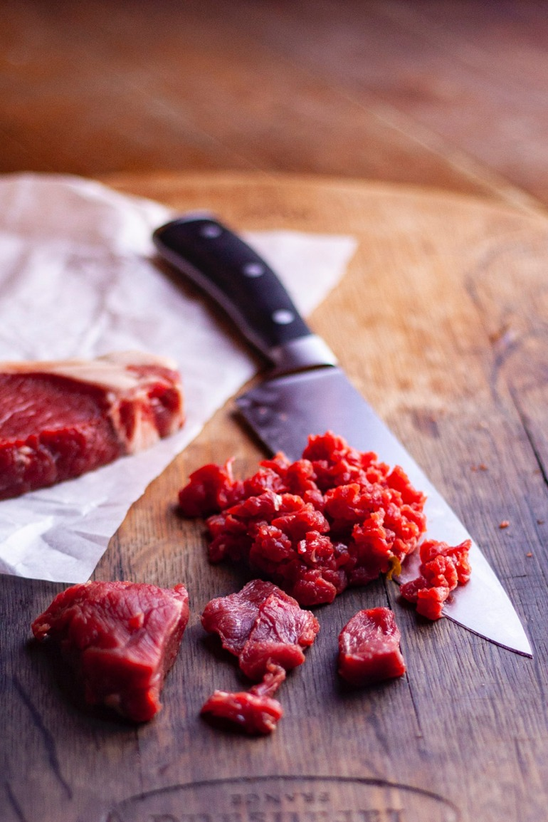 Steak Tartare-chopping001.jpeg