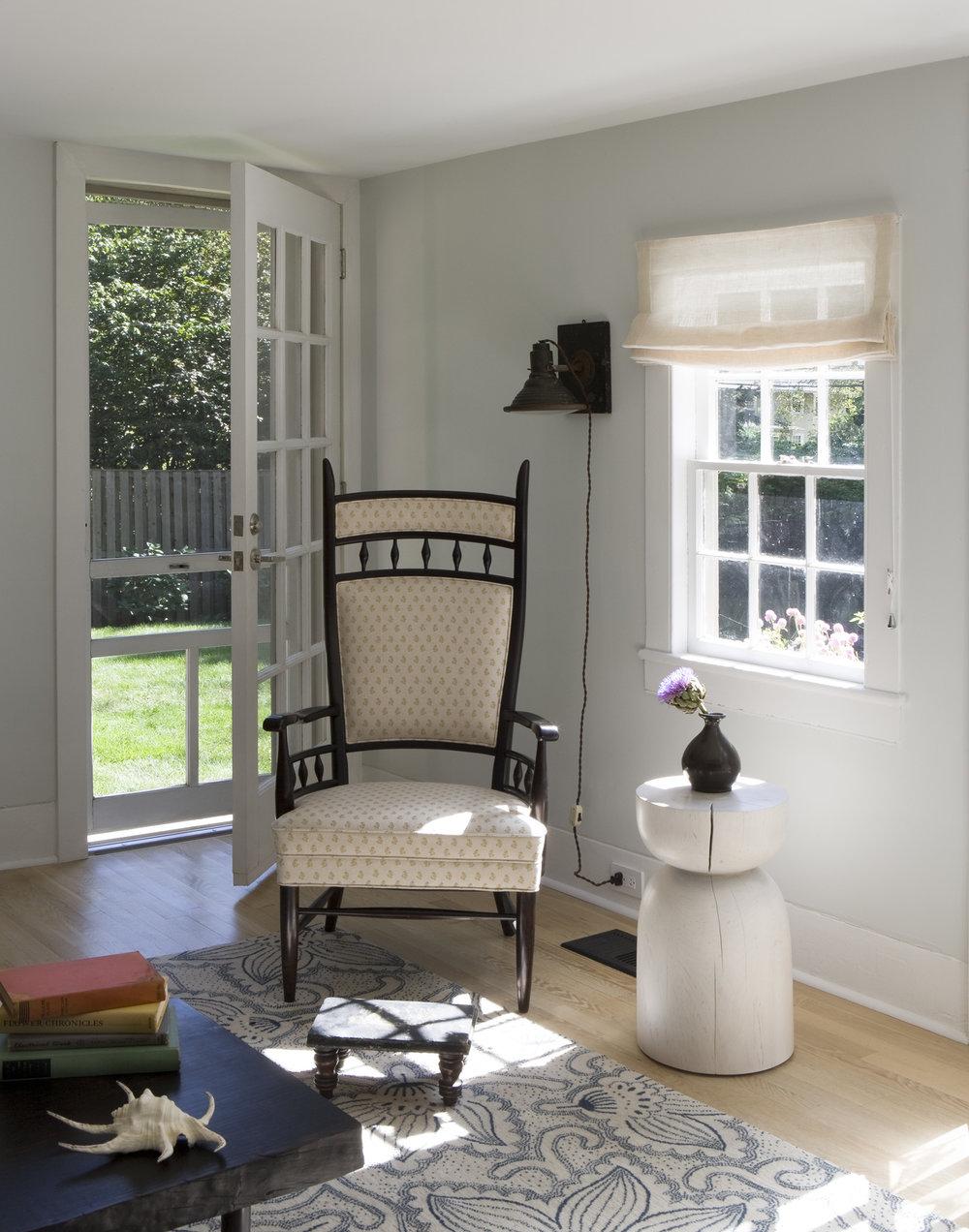 6-Living Room.jpg