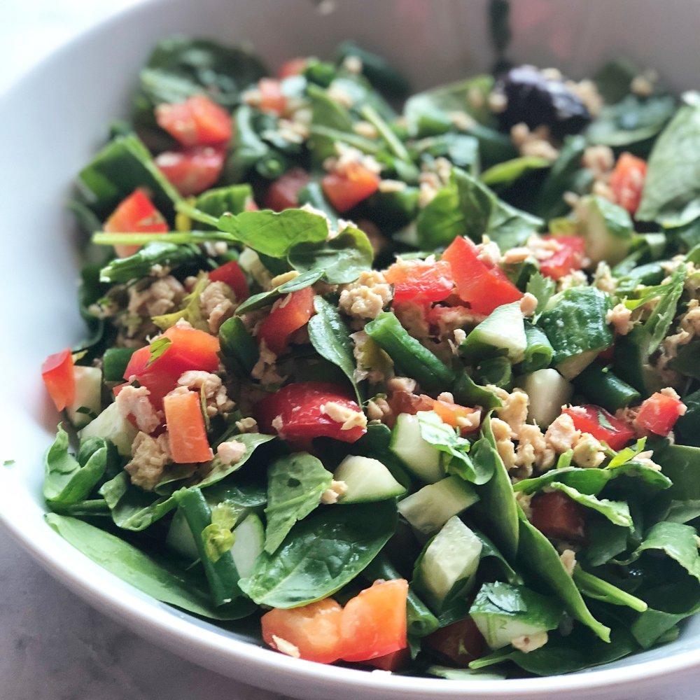 Simple Salmon Spinach Salad