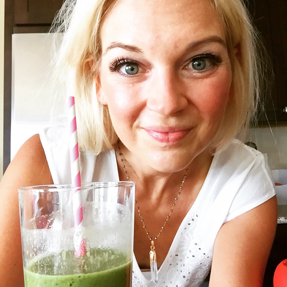 green smoothie pic.jpg