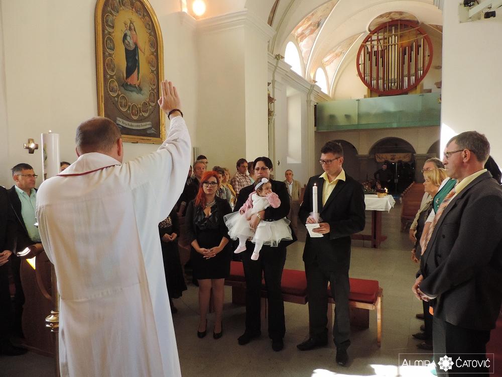 AlmiraCatovic Krst (19).jpg