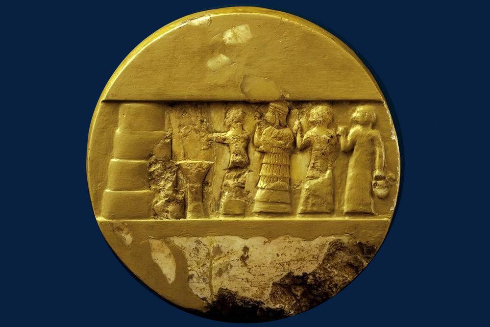 Enheduanna, prva znana pesnica v zgodovini - Enheduanna, prva znana pesnica v zgodovini, princesa in visoka svečenica, katero zgodovinarji omenjajo, kot osebo, ki je postavila temelj za kulturo, literaturo, himne, poezijo ter religijo. Njena zapuščina ni samo poezija, ampak inspiracija, s katero je navdihnila hebrejsko Biblijo, Homerjevo himno Grčiji ter zgodnjo krščansko Cerkev.