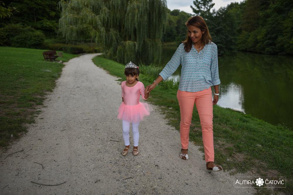 AlmiraCatovic-Familyphoto (13).jpg
