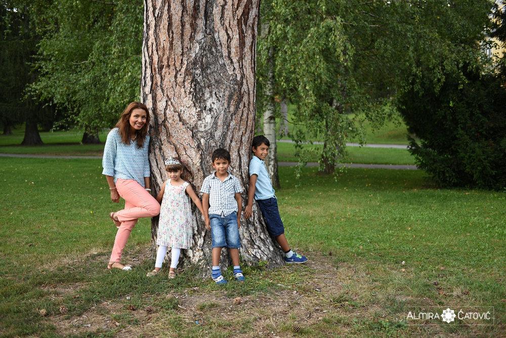 AlmiraCatovic-Familyphoto (33).jpg