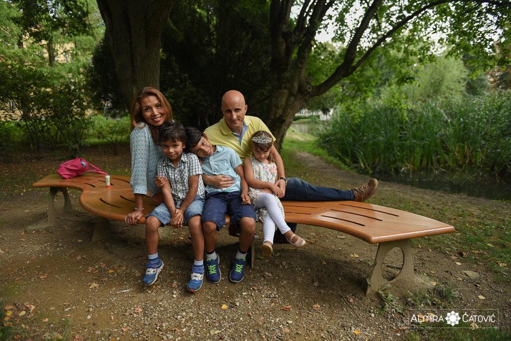 AlmiraCatovic-Familyphoto (40).jpg
