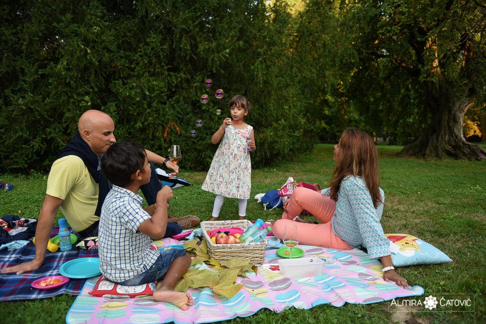 AlmiraCatovic-Familyphoto (46).jpg