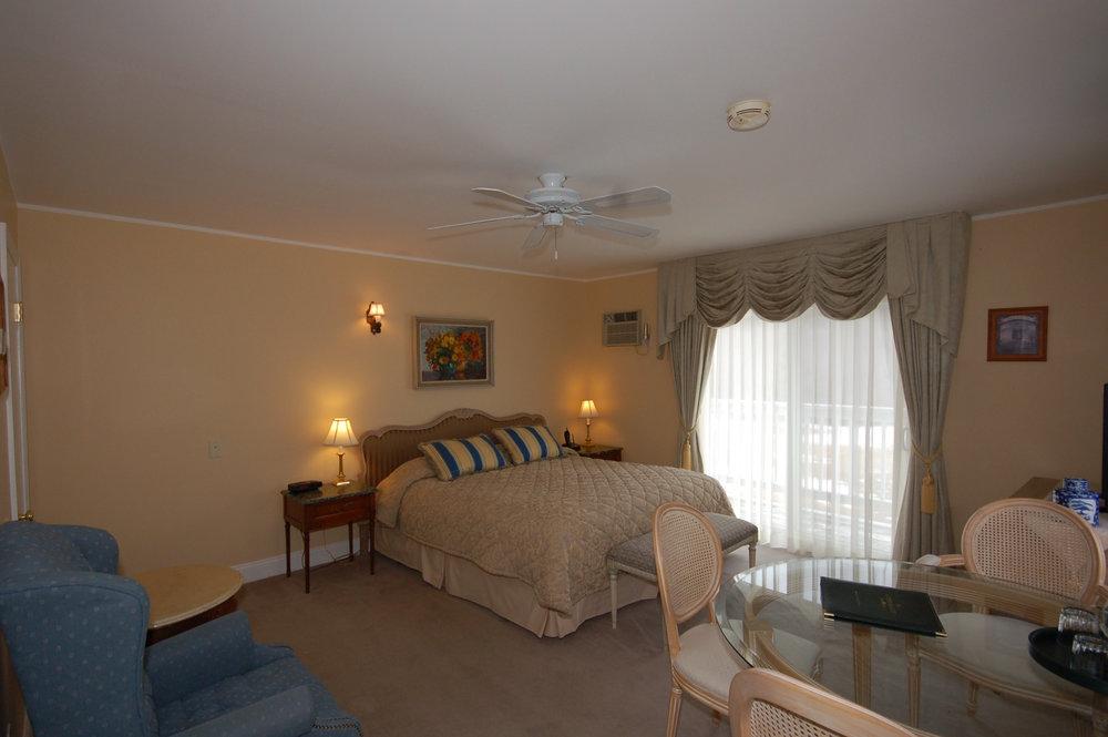 room 119-2.jpg