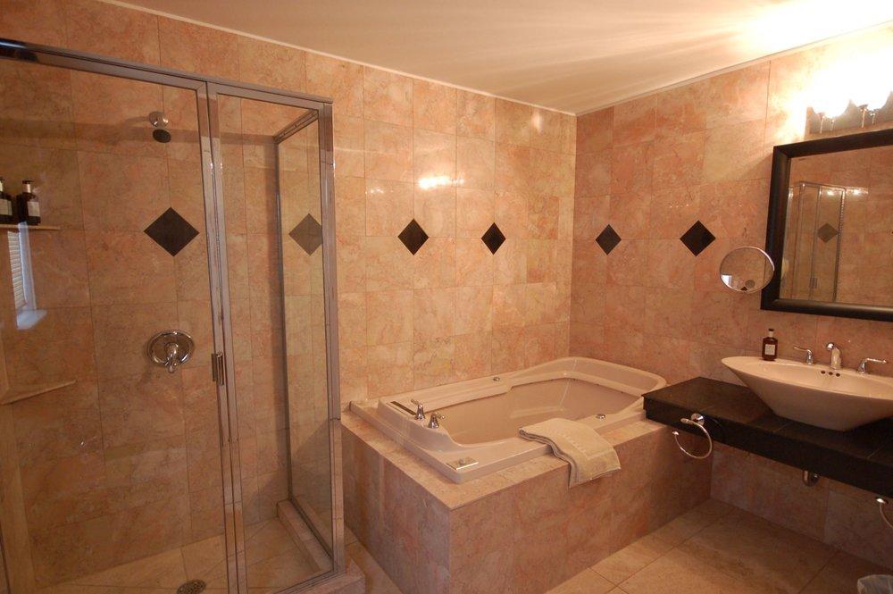room 111 bath a.jpg