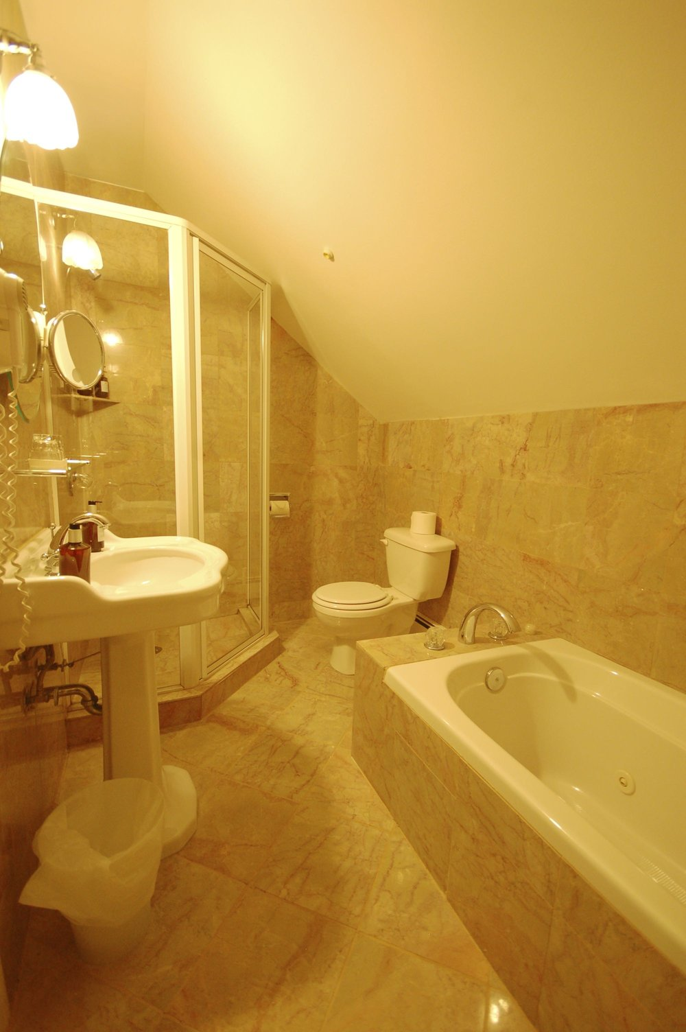 room 112-3.jpg