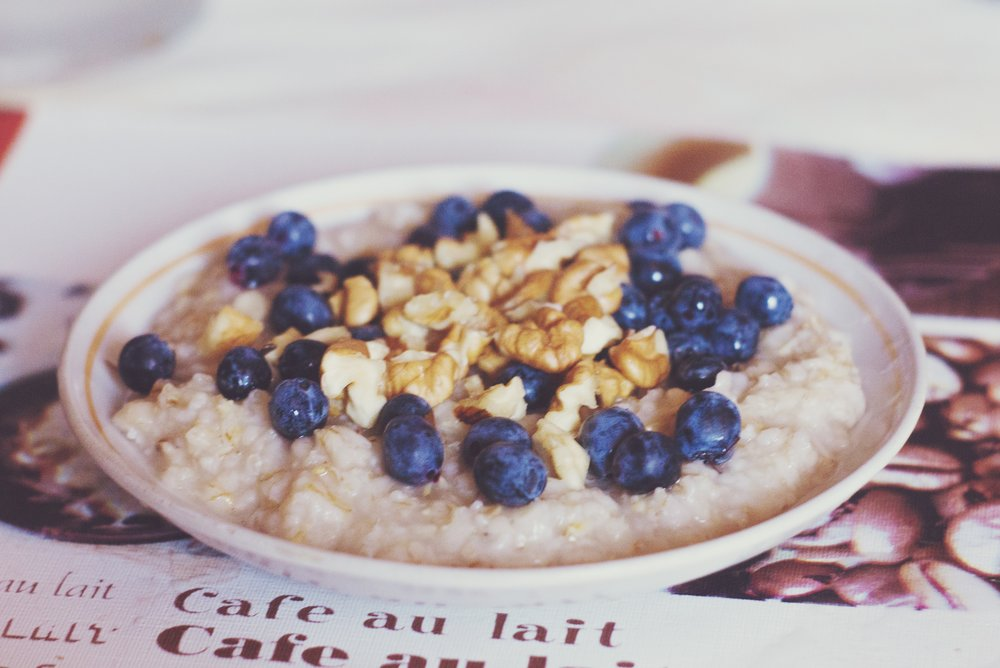 Berry Banana Oatmeal Bowl  -