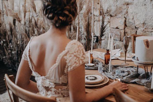 . . .  #radlovestories #photobugcommunity #vscomood #lifeofadventure #adventurouswedding #weddinginspiration #intimatewedding #intimateweddigphotographer #weddingseason #whitemagazine #lookslikefilm #vsco#livefolk #adventurouswedding #tellon #adventure #loveauthentic #bridesmaid #laugh  #flowers #weddingflowers #weddingbouquet #bouquet #greenery #weddinddecor #weddingtable #bridestory