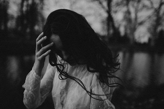 sentimental bride 🖤 . . . #heyhellomay #bride #bookoflove #calligraphy #handwriting #weddingtime #nostalgic #junebugweddings #thebridestory #ruffledblog #janeausten #prideandprejudice #greenweddingshoes #rocknrollbride #rusticweddingchic #theperfectpalette #theknottybride #diybride #weddingchicks #weddingsparrow #vscohungary #magnoliarouge #artfullywed #photobugcommunity  #LoveAuthentic #HuffPostIDo #twobrightlights #weddinglovebug #bestweddingshots