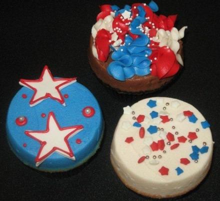4thjulycupcakes.jpg