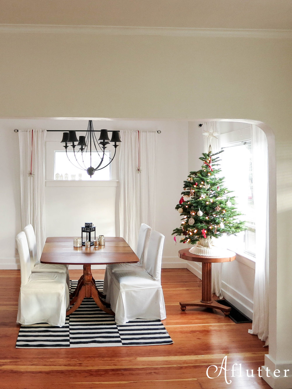 Christmas-Dining-Room-2-of-8-Copy.jpg