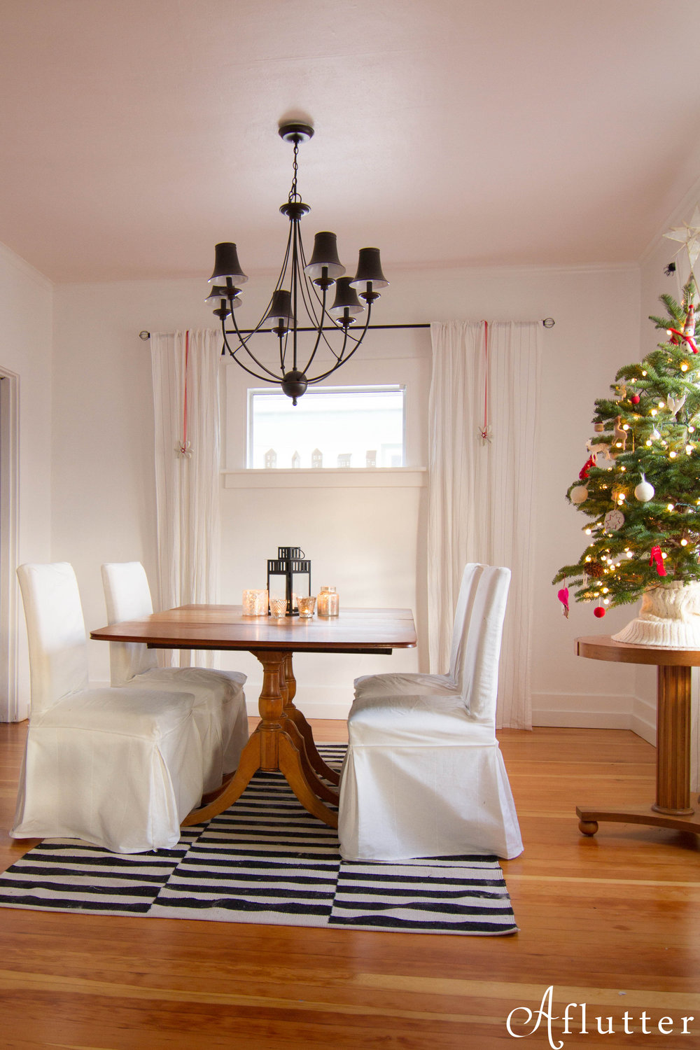 Christmas-Dining-Room-7-of-8.jpg