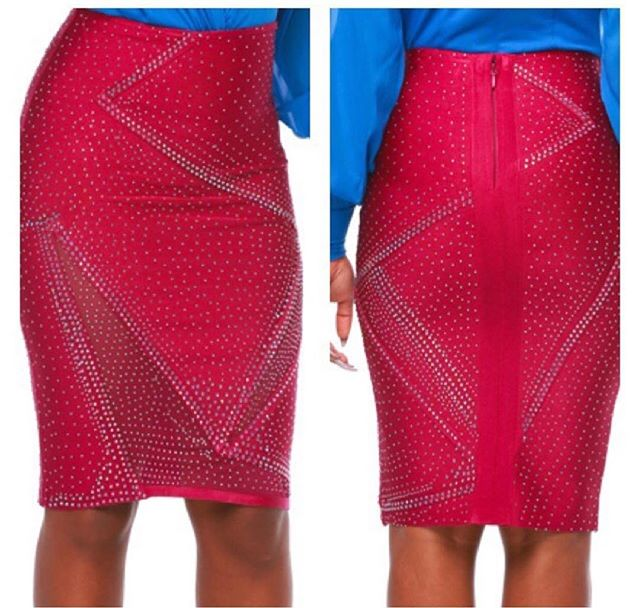 🔥🔥$20🔥🔥Sparkle Skirt available ..1 SMALL AND 1 MEDIUM left... GET IT BEFORE ITS GONE...link in bio