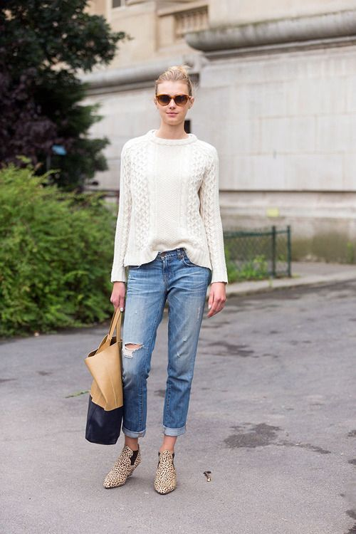 teen fall style cream sweater and jeans.jpg