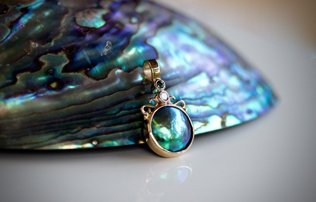 MARK COX -  Pacific Blue 'Mystique' grade pearl pendant
