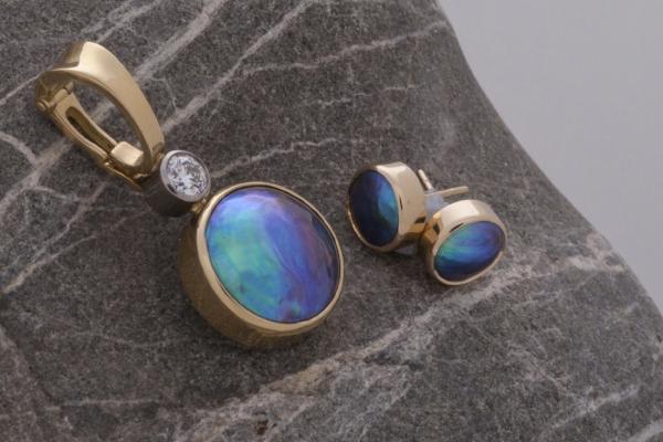 Blue Pearl Gallery