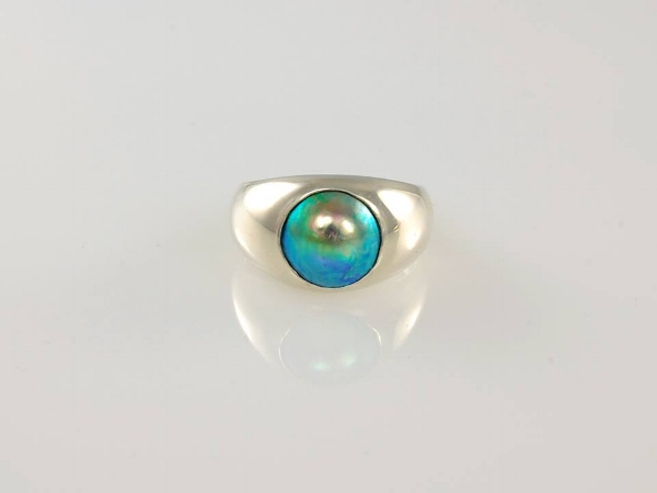 JEWEL BEETLE - Pacific Blue 10mm 'B' grade pearl