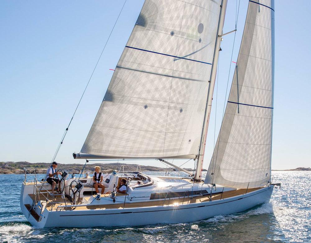 Arcona+435+Endure+sails.jpg