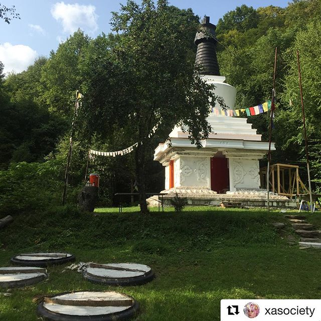 "Our mother @xasociety #daycation ・・・ Please help support our friends projects @bodhivastu They have invested a lot of energy to form a massive community center in NY for 💮 The Stupa of Great Awakening 💮 💮""One of the most powerful ways for us to become aware of our interdependence and our highest potential is through the use of powerful living symbols, such as  stupas, mandalas and pagodas. A well constructed stupa based on sacred geometry and consecrated with mandalas and holy relics, not only has the power to completely transform the lives of individuals, but greatly improves circumstances for an entire country and then the world.  By constructing a large stupa monument of Great Awakening in the correct location, people from all over the world can come into contact with and be inspired by the blessing energy, form, intention, and activity stream of the project."" -Bodhivastu on the Stupa of The Great Awakening Project"" #globalcitizen #consciouscommunity #consciousness #greatpeople #creativecommunity #greatawakening #interdependence #mandala #transformation #live #meditation #artscommunity #NY #bodhivastu"