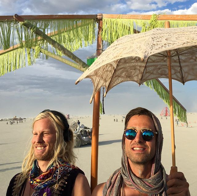 Just under a year ago @peaceinoise flew one of our favorite musicians @crussen to the Liquid Frequencies pool for one of my favorite lives sets ever. Then we kidnapped him and brought him on our art car @graciepleasurebarge at #burningman to play a sunset set i'll never forget. I'm headed back to that same pool to play a set that starts at 2pm today and instead of Crussen we'll be blessed with one of my very favorites @marqueswyatt and absolute legend @djleejones. It's 🌞today! come get wet!!!