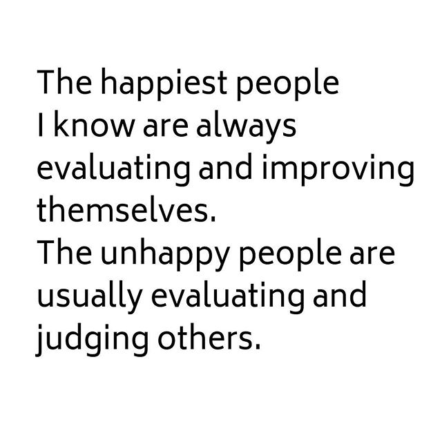 The M Bag • The happiest people I know are always evaluating and improving themselves. The unhappy people are usually evaluating and judging others. • #happy #improving #judging #lifequotes #LessIsMore #space #minimalism #handbagorganizer #peacewithin #handbags #peace #ease #zen #easemymind #beautywithin #energy #flow #positivevibes #fengshui #declutter #organizedlife #CarryLifeWell #TheMBag