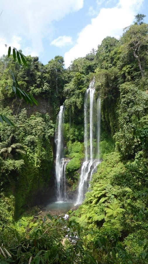 Kirtan, Bali waterfall 7.jpg