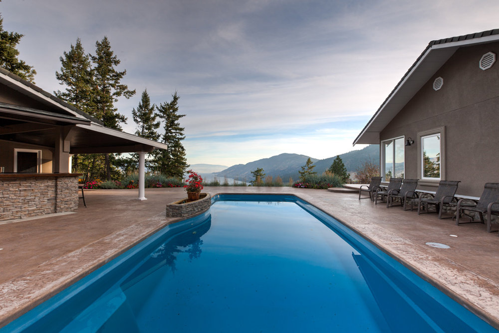 Paradiso pools kelowna luxury pool contractors for Pool design kelowna