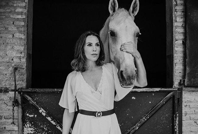 Nos encantan las fotos de @monicaortdomin y @fatimaborbolla con toile del modelo Rowling de @anonymouscloset posando para la nueva marca de cinturones @etoile_spain #etoile #cinturones #beanonymous #instastyle #fashion #fashiongram #instafashion #dressing #dresswell #dressdifferent #inspiration #style #instainspiration #weddingguest #guest #inspiracion #inspiracioninvitada #vestido #vestidoinvitada #invitadaperfecta #invitadaboda #invitadaconestilo #invitadadiferente #vestidofiesta #invitadaperfecta #lookdeinvitada ⚫️