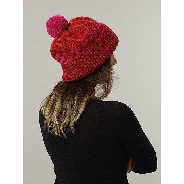 Great news, beautiful knitted hats, very suitable for Christmas dress, delicate, warm. On the day of the event, you can enjoy the 50% discount that never had before. Don't miss it. . . . #sustainablefashion #knitweardesign #pompomhats #winterseason #christmascomingsoon #expectations #fashionart#warm #cozy #woolfabric #fairtradefashion
