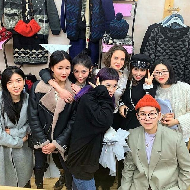 #Repost @htht.popup • • • Our pop-up event in collaboration with @hereaftervintage and @covlonfashion students ! Thank you all for working with us!! . . . #studentexperience #MBA #MSc #coventryuniversitylondoncampus #covunilon  #sustainablefashion #ethicfashion #popupevent #perfectending #thankseveryone #environmentalist #endingparty #universitylife #activity #cooperations #fashionmajor  #teampicture #popupstoreteam