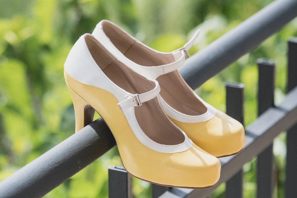 fotografia-de-bodas-zapatos-novia.jpg