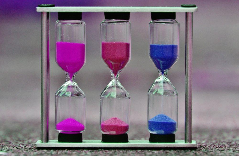 hourglass-1289781_1920.jpg