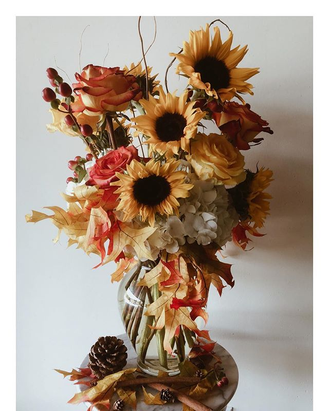 we've really f a l l e n for this arrangement made in store today! 🍄🌻🍁🍂 • • • • • • • • • • • • • • • • • • • • • • • • • #fallvibes #fall #falldecor #flowers #florist #sunflower #roses #colorful #garden #athens #my_athens #uga #georgia #universityofgeorgia #plantsmakepeoplehappy #alwaysalwaysflowers