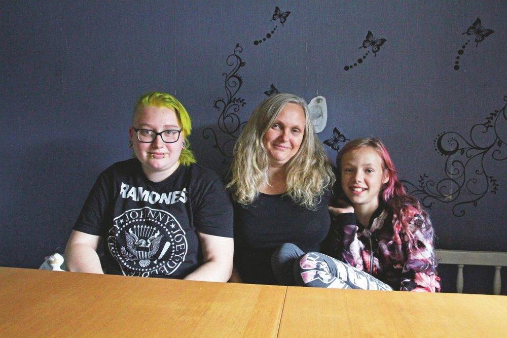 Julia Siermala, Helena Olsson och Lovisa Olsson är några personer bakom det kommande discot till förmån för Ronald McDonald Hus