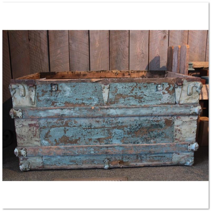 blue open trunk.jpg
