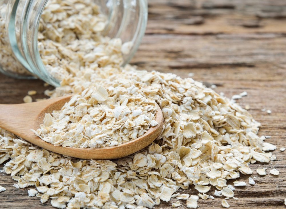 Oatmeal is a healthy snack or meal for infants.