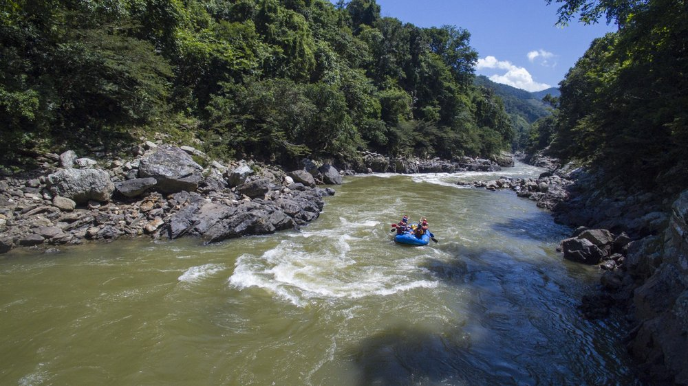 A section of smaller whitewater. Credit: Expedition Colombia