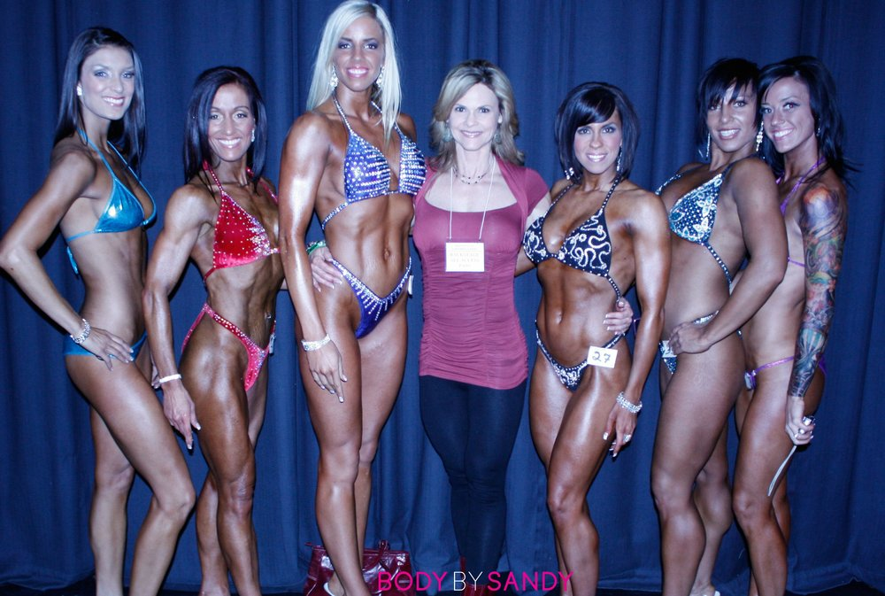 2010 NPC Topform Classic-me with the girls.jpg