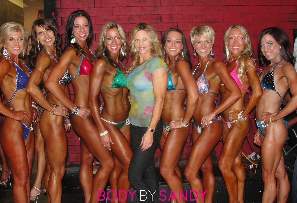 2012 NPC MySportNutrition Utah-me with the girls.JPG
