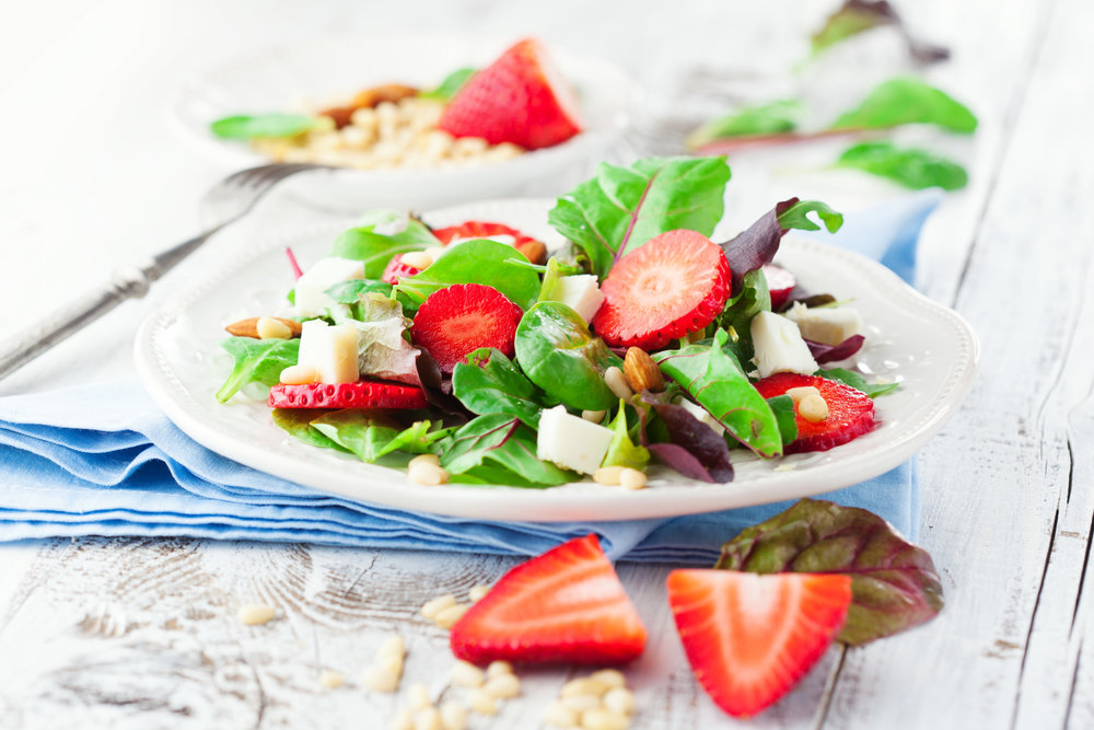 Strawberry_Feta_Salad_Fotosearch_k26492255.jpg