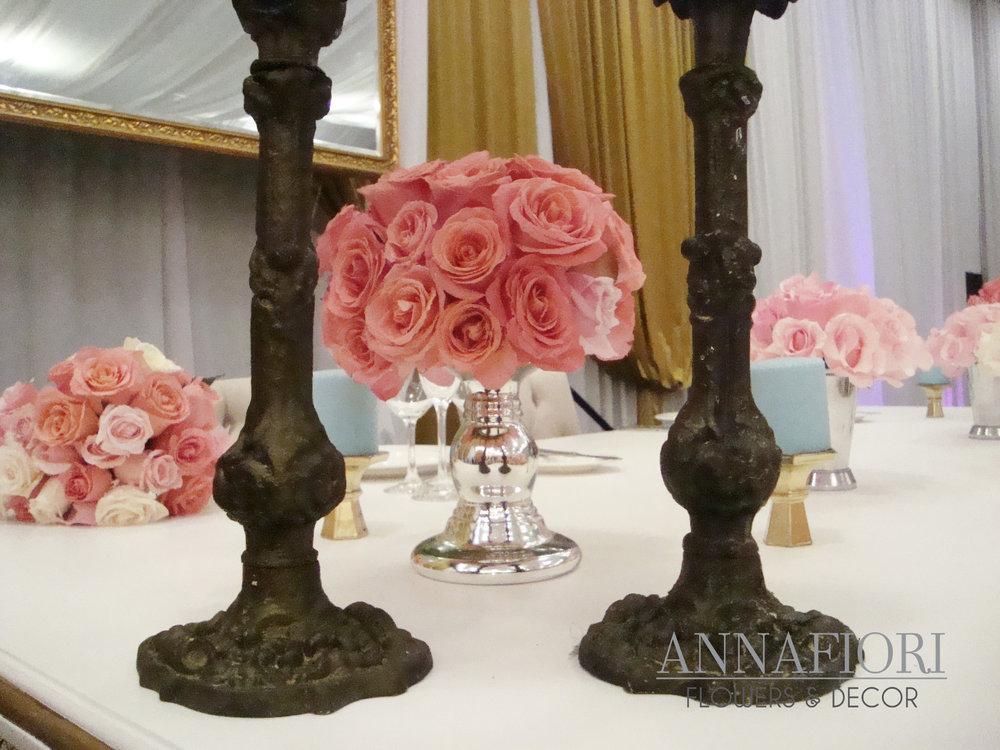 centros de mesa con rosas 1 - copia.jpg