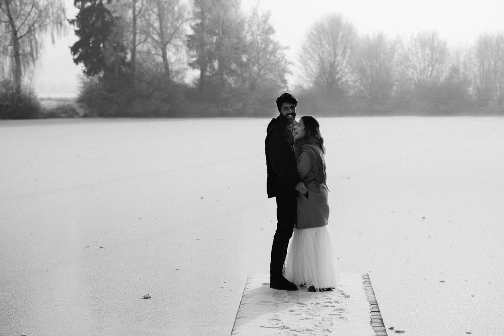 paarshooting after wedding photography paarfotos brautpaarfotos munich muenchen erding winter schnee