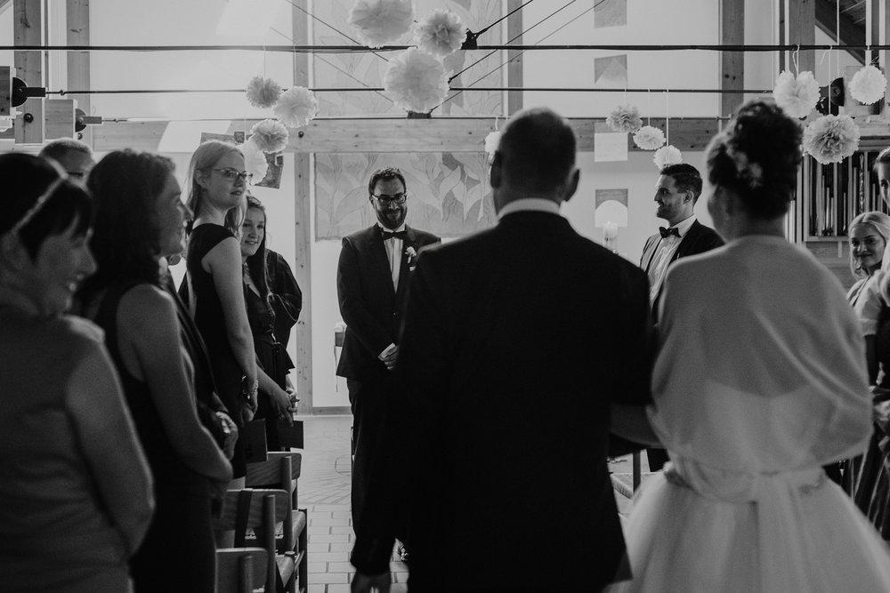 religious ceremony evangelische hochzeit wedding bayern bavaria germany kunstmühl rosenheim photography