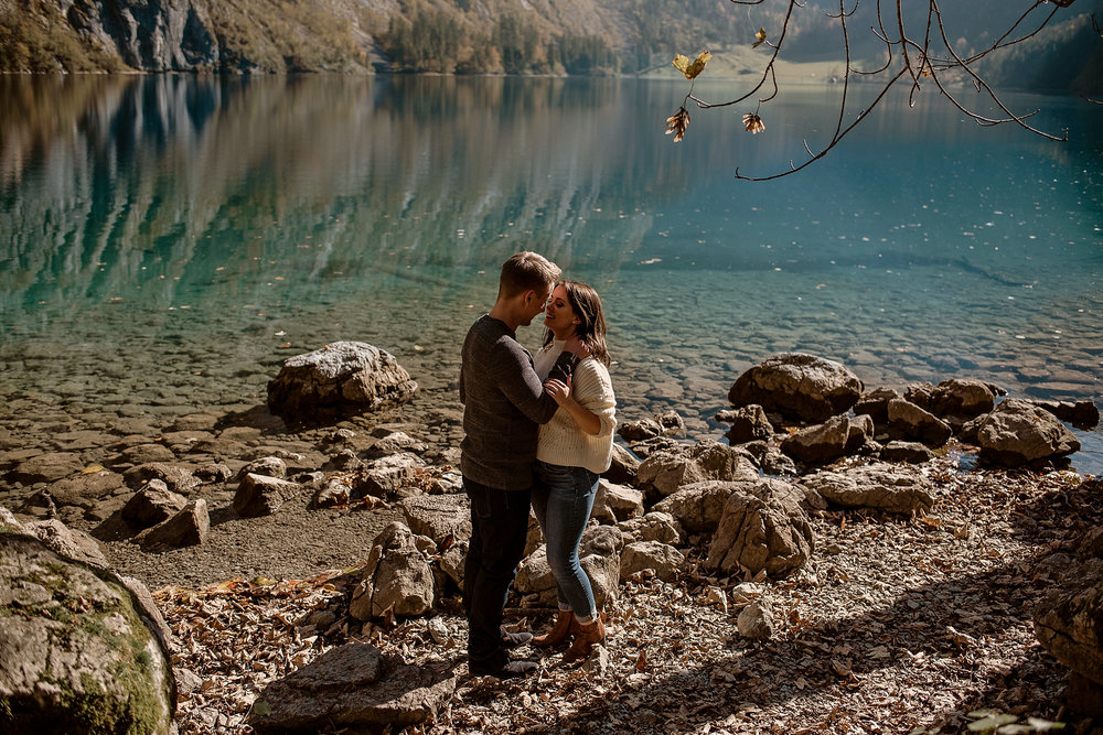 obersee bayern königsee münchen verlobungsshooting engagement photos session munich photographer münchen elopement wedding germany bergsee paarshooting fotograf