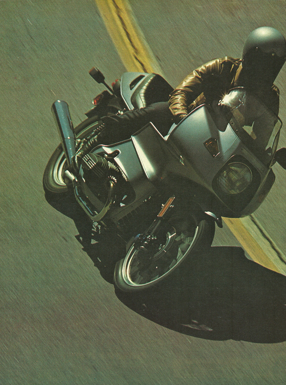 1976 BMW R100RS road test 01.jpg