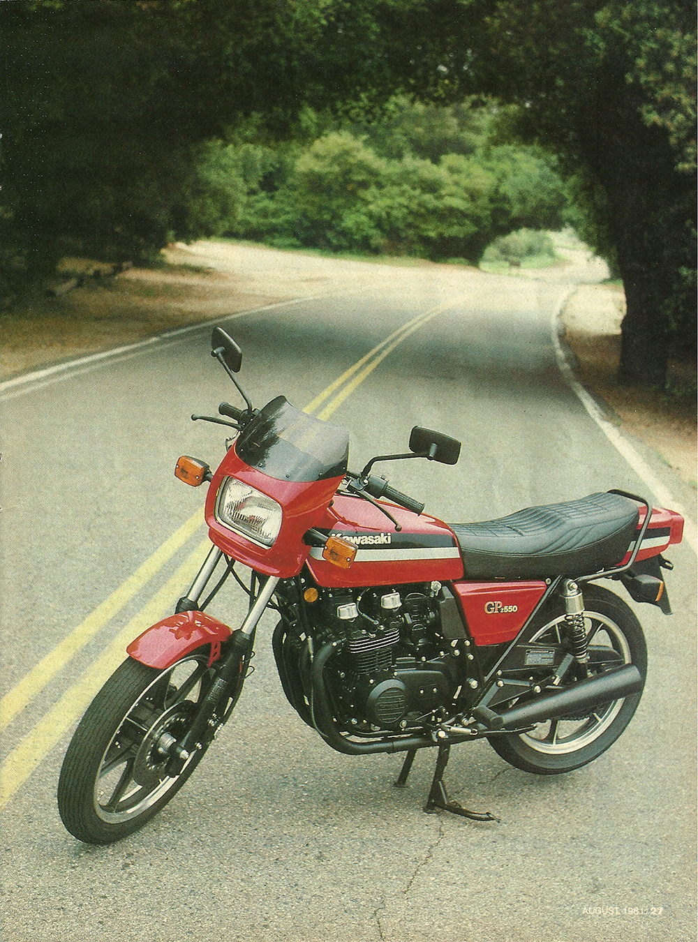 1981 Kawasaki GPz 550 road test 4.jpg